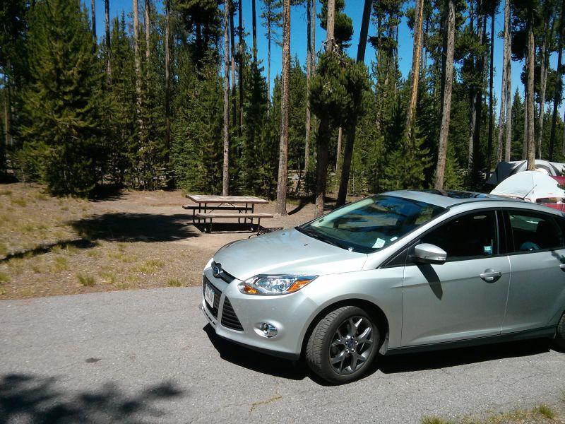 Unser Mietwagen, hier schon auf dem Zeltplatz im Yellowstone.