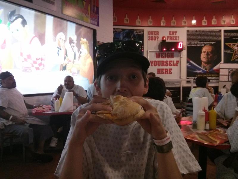 Super ungesunder Burger beim Heart Attack Grill - hmmm.... :-p