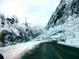 Linksverkehr durch die Berge